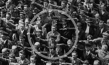 350px August Landmesser